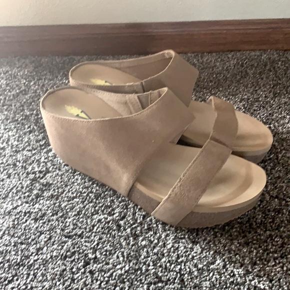 Volatile leather suede sandal slide platform 8 new